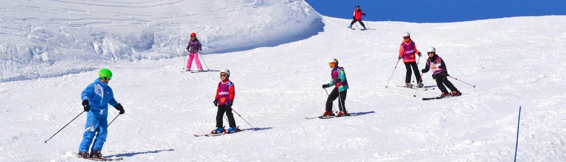 kids-ski-lessons-6-12-years-february-all-levels-esi-chatel-hero