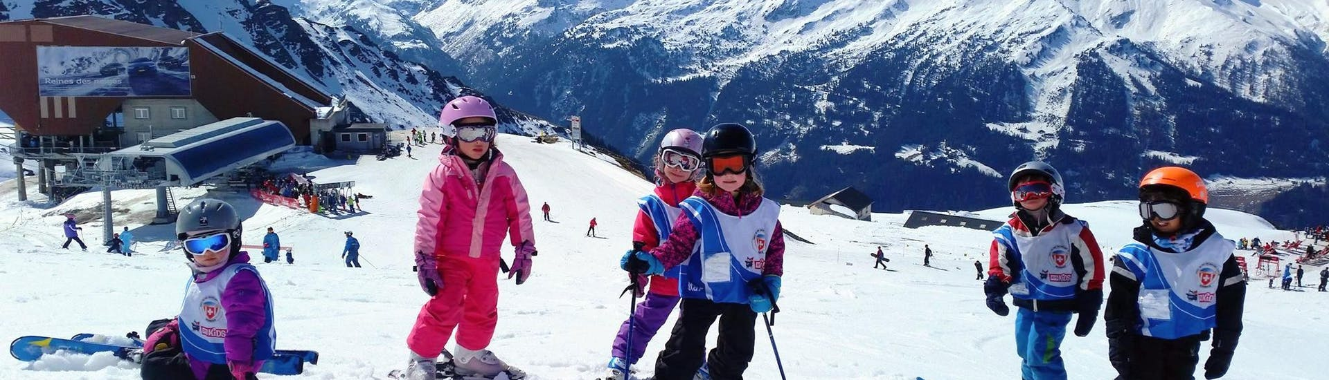 kids-ski-lessons-6-13-years-ess-verbier-hero