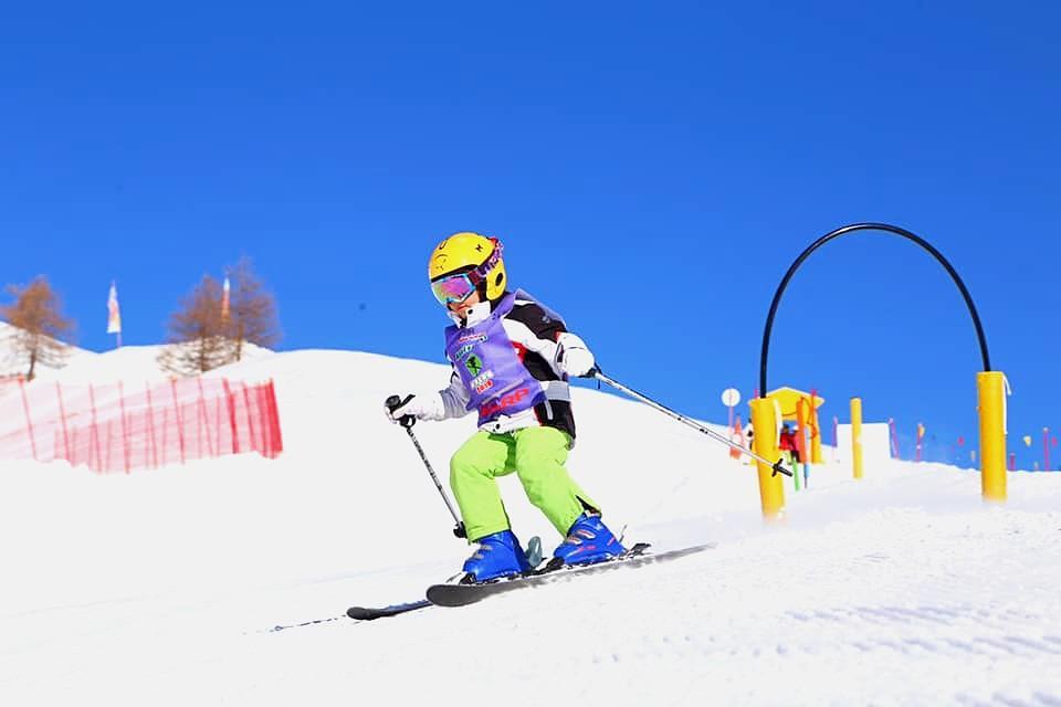 Lezioni sci per bambini (8-14 a.) con esperienza - Full Day