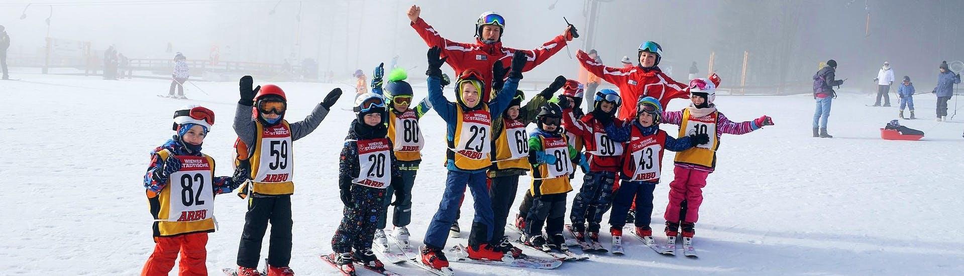 kids-ski-lessons-bambini-3-5-y-halfday-holidays-skischule-semmering-hero