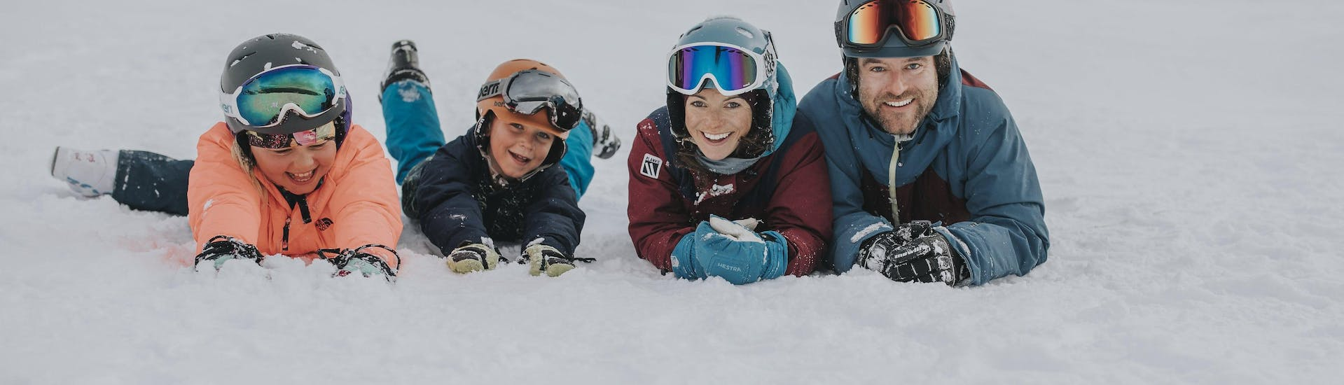 Kids Ski Lessons (5-17 years) - All Levels - With Transfer