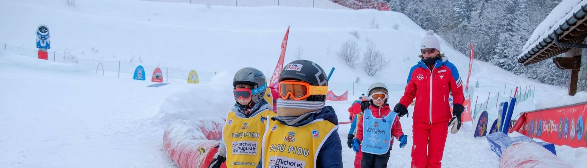 kids-ski-lessons-club-piou-piou-3-5-years-esf-courchevel-hero