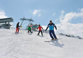 During the Kids Ski Lessons (from 5 y.) for Skiers with Experience, the participants follow their experienced ski instructor from Schischule Hochgurgl on the slopes.