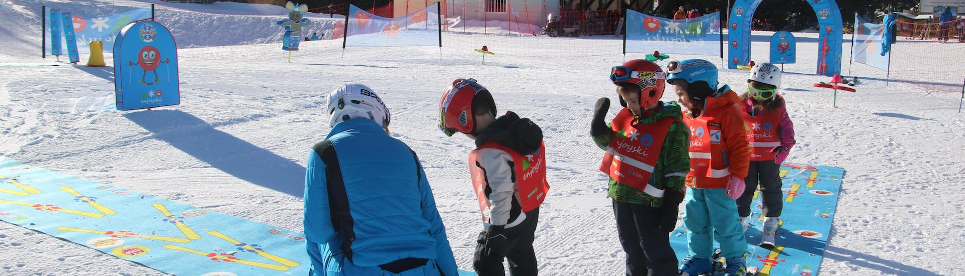 Kids Ski Lessons (6-12 y.) for Beginners - Holidays