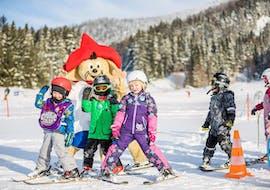 Skilessen voor kinderen voor alle niveaus met Amigos Snowsports Mariazell