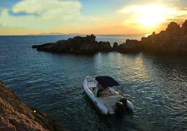 Our guests relaxing on the sea during the Lagoon and Antiparos Boat Tour from Paros with G3 boats.