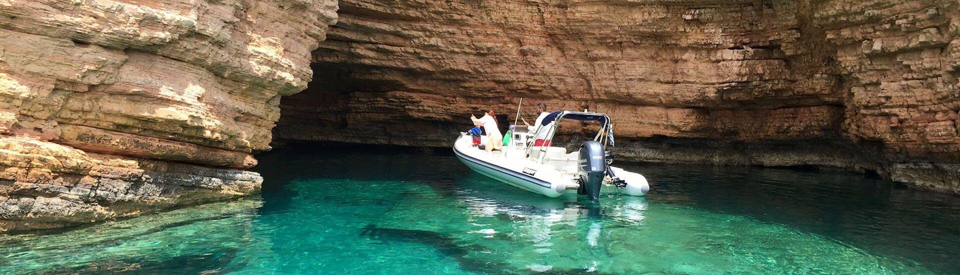 antiparos-boat-tour-in-paros-g3-boats-hero