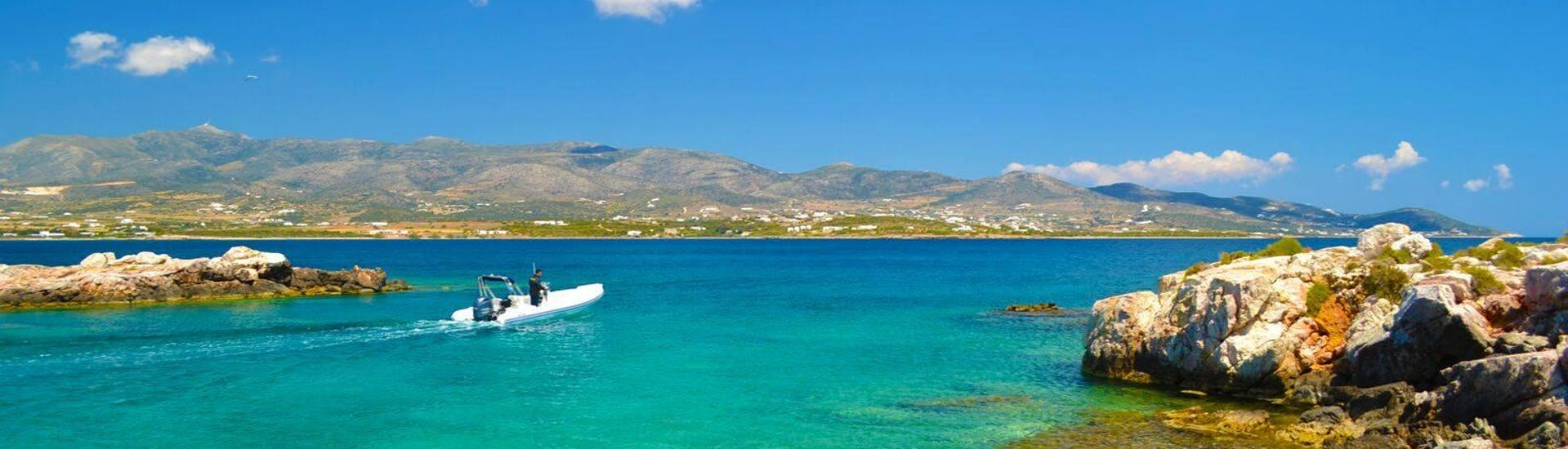 Our guests setting off during the Lagoon and Drios Boat Tour from Paros with G3 Boats.
