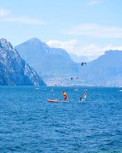 Surfing Lago di Garda (c) Shutterstock