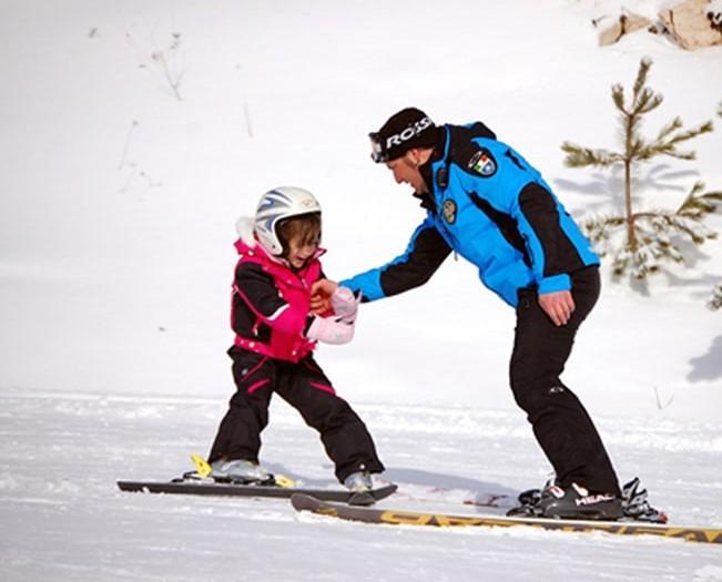 Clases de esquí privadas para niños a partir de 4 años para principiantes