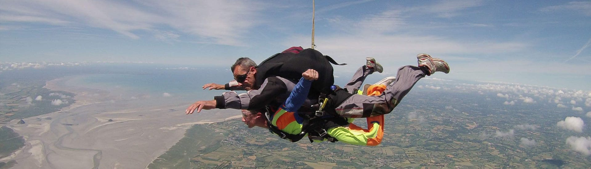 Tandem Skydive above Mont Saint-Michel from 3000m with Abeille Parachutisme Normandie - Hero image