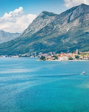 Unbelievable view fro the city-port in Croatia with the ocean where you can do paragliding in Makarska.