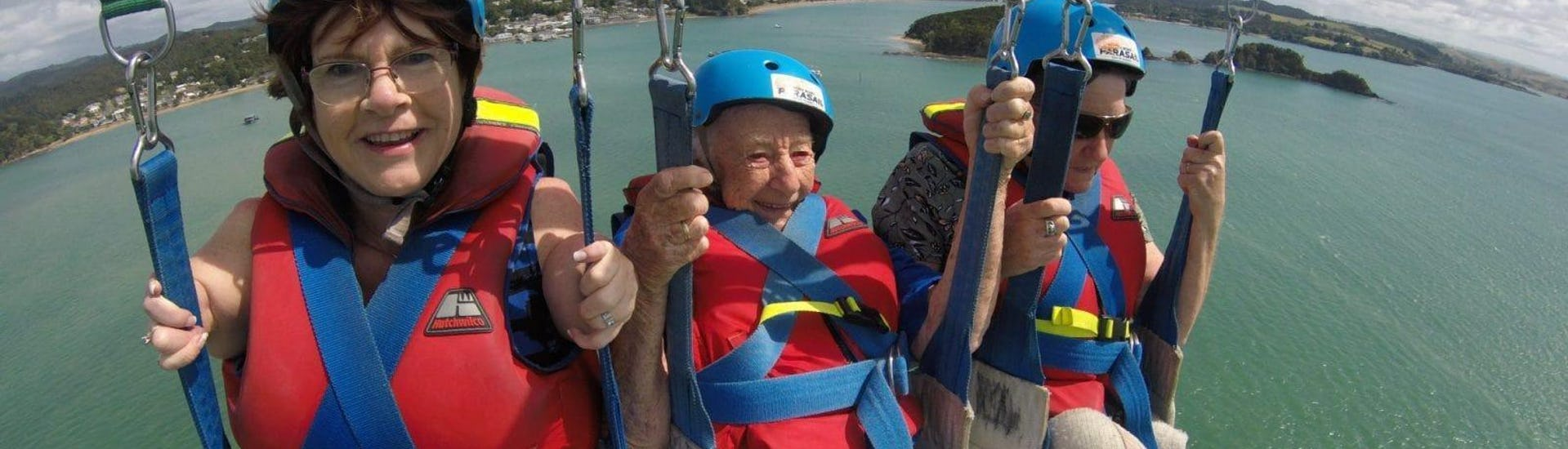 parasailing-in-paihia-family-package-bay-of-islands-parasail-hero