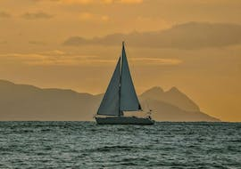 Private Sunset Sailing Cruise admiring Santorini during the golden hour with a view of Caldera & Oia