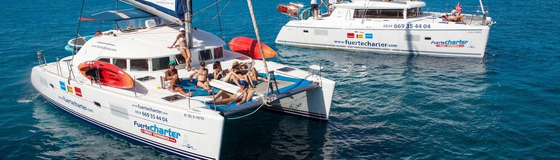 Balade privée en catamaran depuis Corralejo avec Kayak & SUP avec Fuerte Charter Corralejo - Hero image