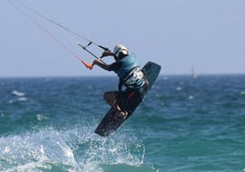 Cours privé de kitesurf (dès 11 ans) pour Débutants avec Surfer Tarifa