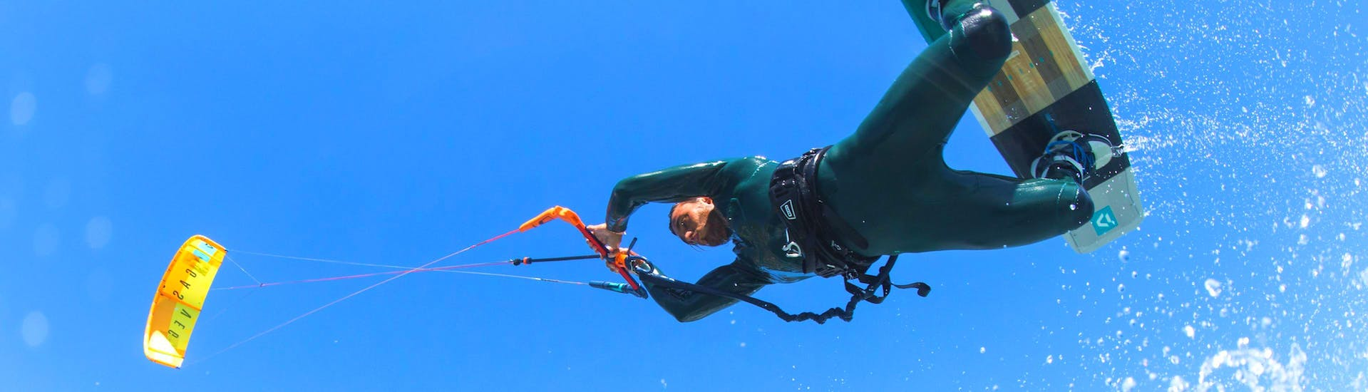 private-refresher-kitesurfing-lessons-advanced-kiteriders-hero