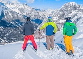 Three friends are exploring the slopes of Golte ski resort during their Private Ski Lessons for Adults of All Levels with Funpark Menina.