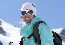 A skieur is happy to take part in a Private Ski Lessons for Adults - Tignes with the 333 ski school in Tignes.
