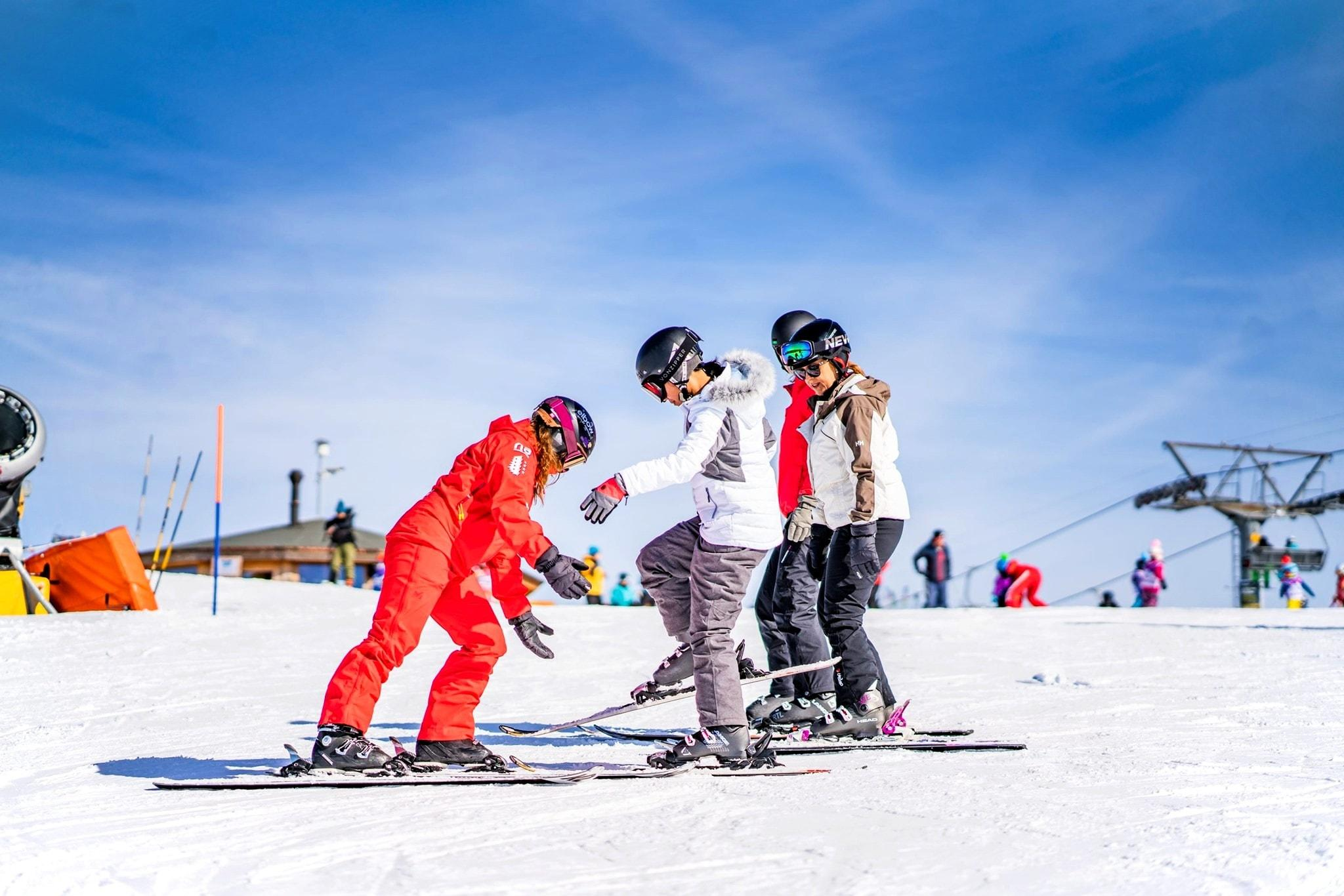 Lezioni di sci per adulti per tutti i livelli