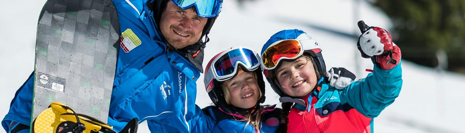 Snowboarding Lessons for Kids (8-15 years) - All Levels