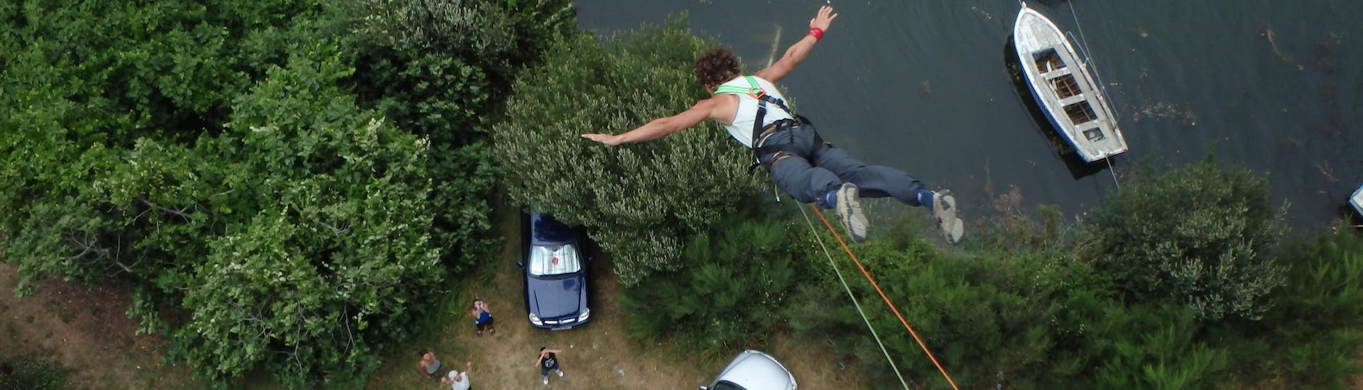 Bungee Jumping from Ceilán Bridge (25m)