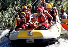 "A group of friends is enjoying the Rafting ""Classic"" - Rio Segura with an experienced rafting guide from Rafting Murcia."
