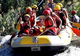 """A group of friends is enjoying the Rafting """"Classic"""" - Rio Segura with an experienced rafting guide from Rafting Murcia."""