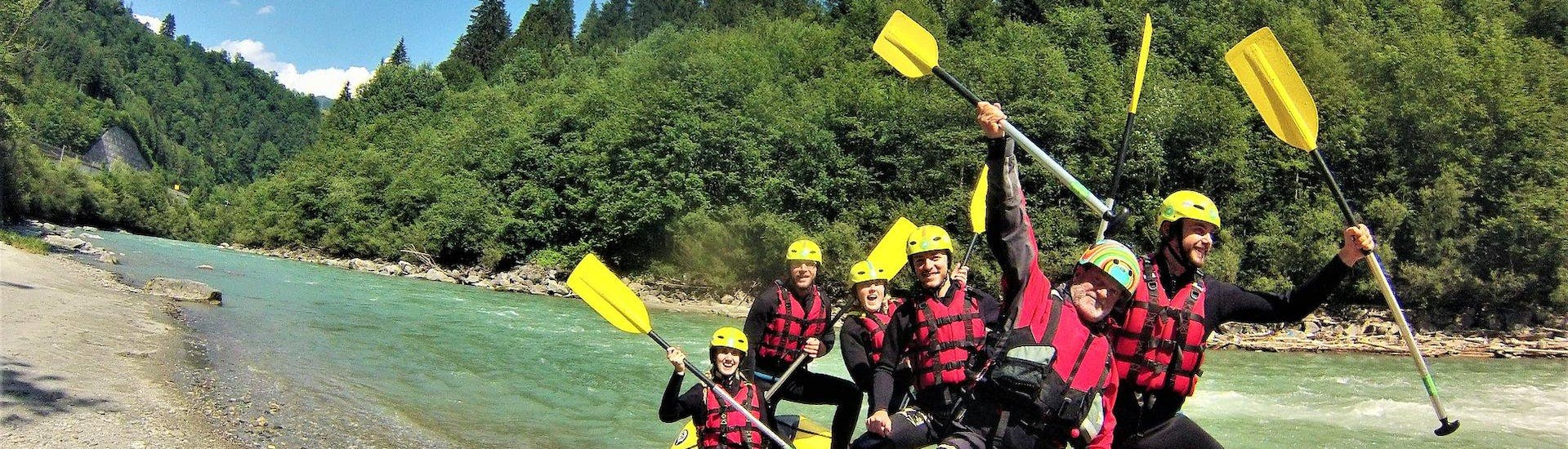 A rafting group looking forward to their Rafting Day Tour on Salzach river with the experienced instructors of Frost Rafting & Canoying Tours.