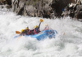 A group of brave participants during the Rafting on the Aurino - Long Tour with Club Activ.