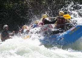 A group of participants having fun during the Rafting on the Isarco - Long Tour with Club Activ.