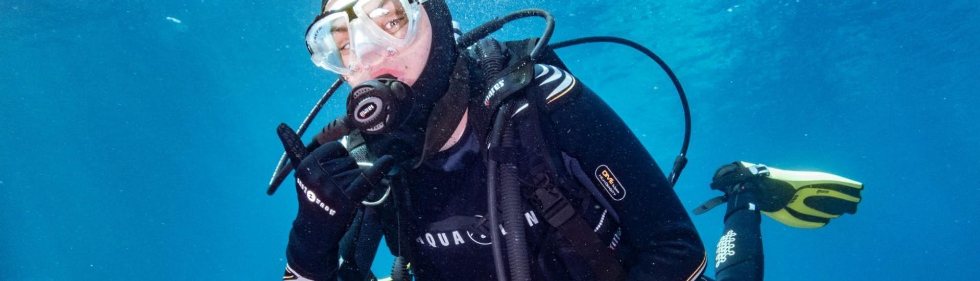 scuba-diving-course-padi-advanced-open-water-diver-dive-academy-santa-pola-hero
