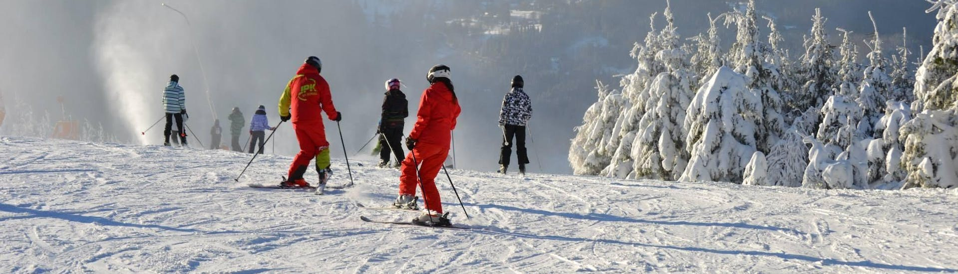 ski-lessons-for-adults---small-group---all-levels-1-hero