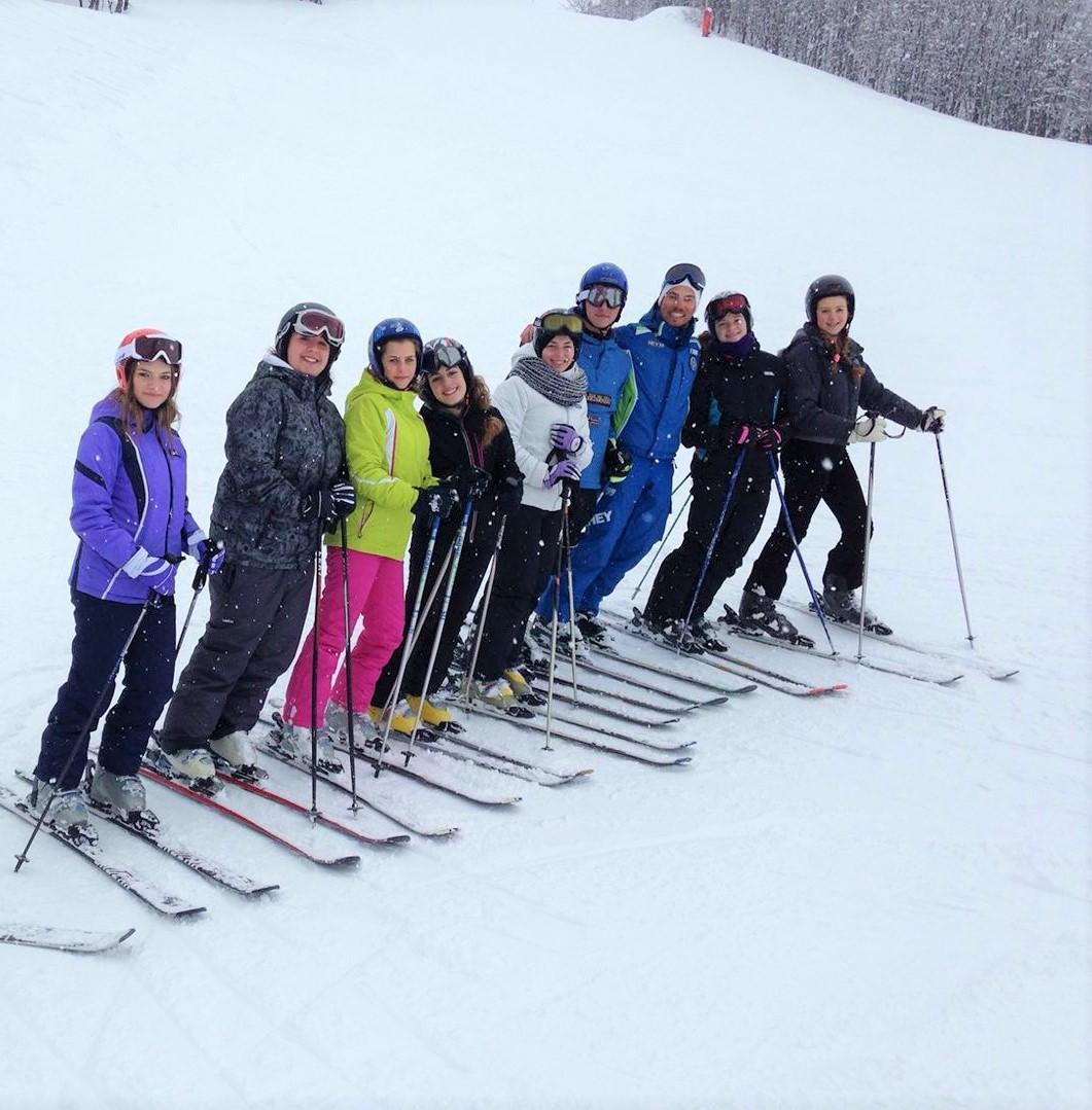 Clases de esquí para adultos a partir de 15 años para principiantes