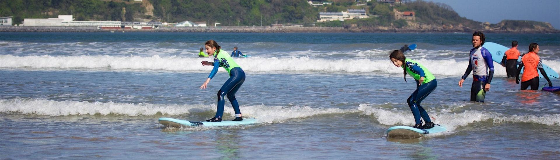 Weekend Surfing Lessons - Incl. Transfer to Hendaye