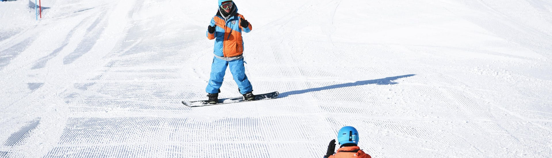 snowboarding-lessons-for-kids-adults-beginner-yes-academy-sestriere-hero