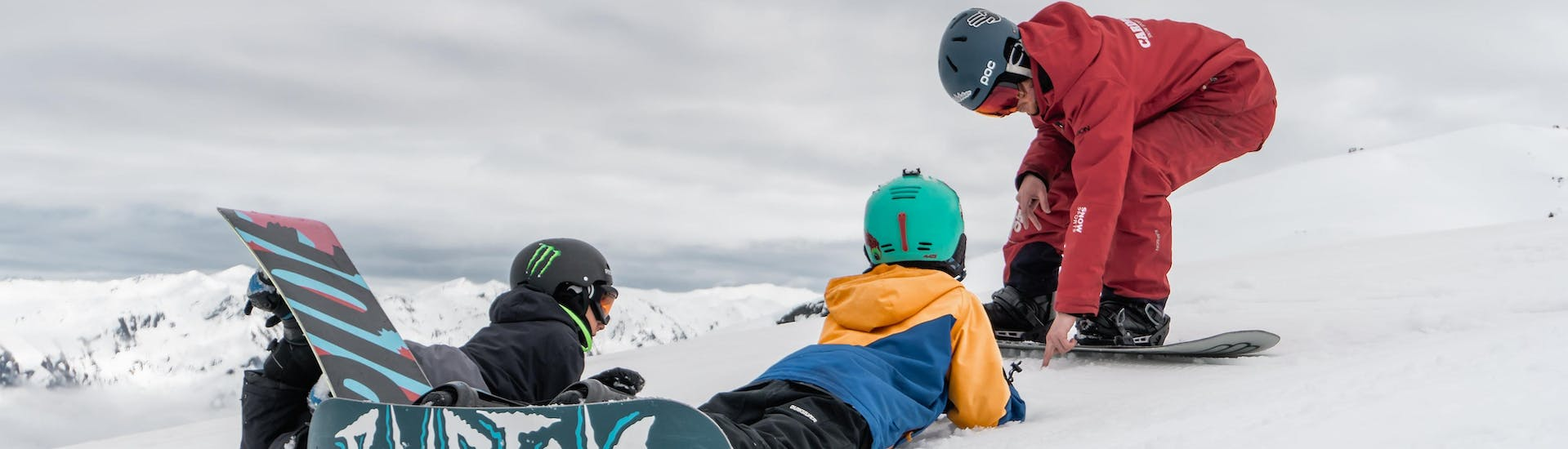 Snowboarding Lessons (7-17 years) - First Timer Package