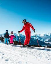 Ski schools in Sölden (c) Ötztal Tourismus, eye5