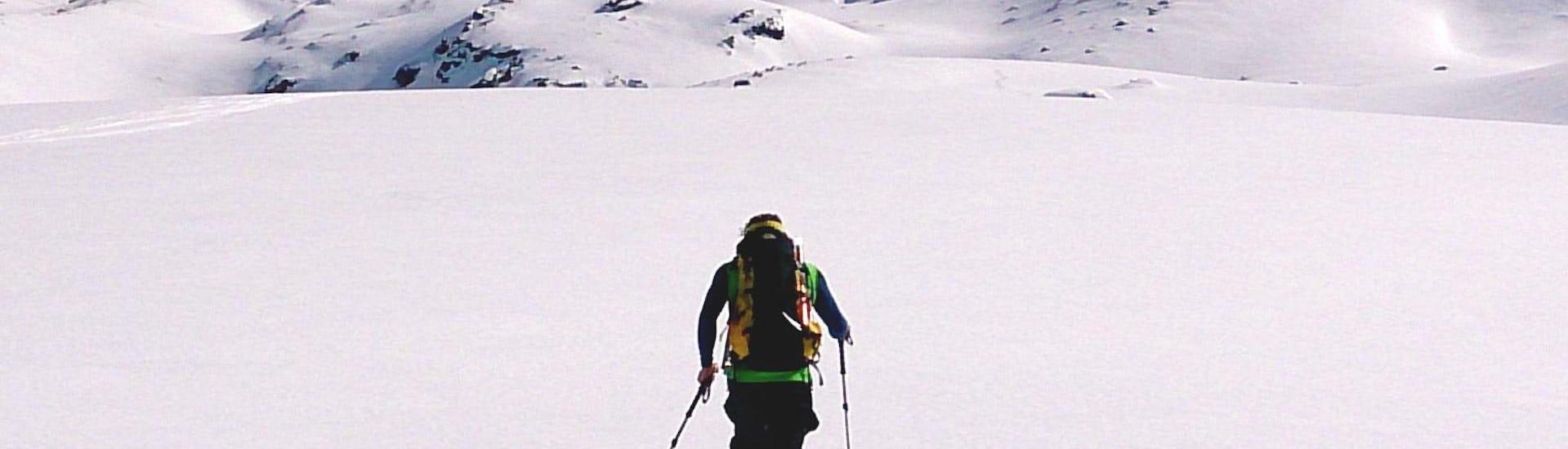 Ski- and Splitboard Touring for SINGLES