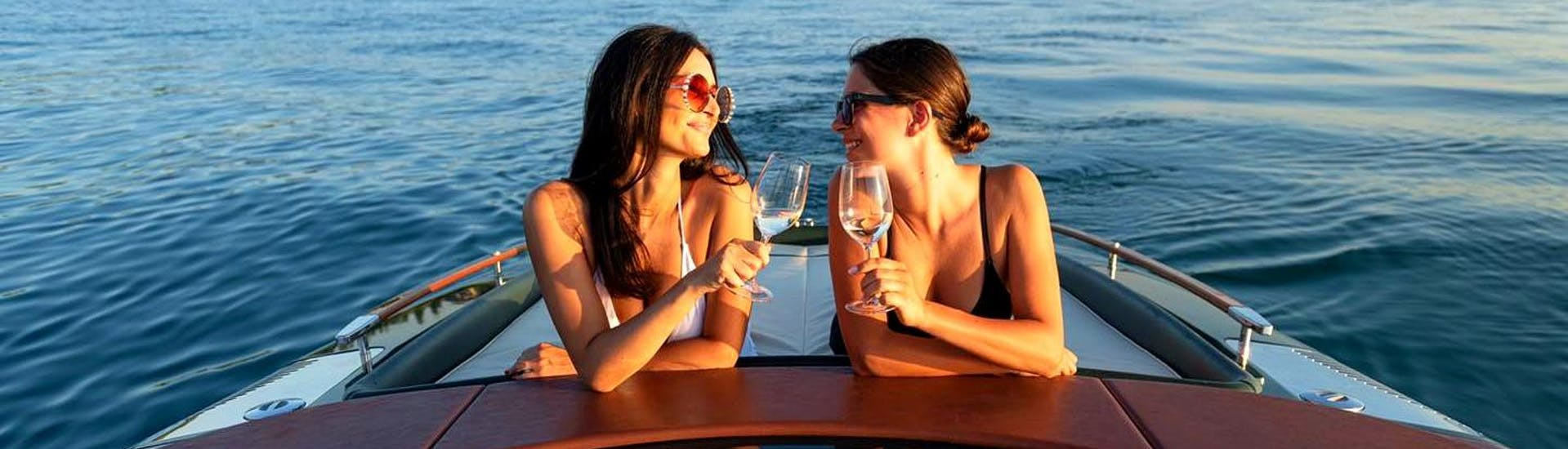 sunset-boat-trip-along-sirmione-peninsula-sirmione-boats-hero