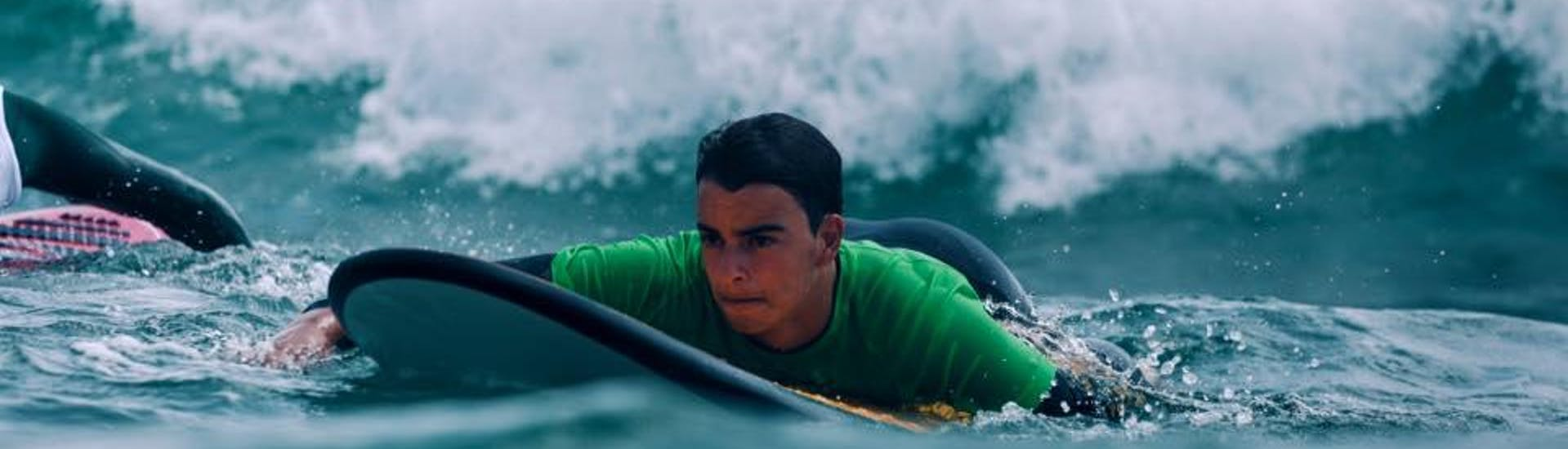 surfing-lessons-in-valencia---all-levels-hero-2