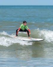 Surfing Lacanau (c) Shutterstock