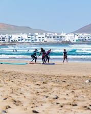 Surfing Lanzarote (c) Shutterstock