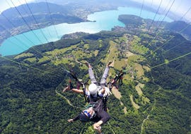 Tandem Paragliding at Lake Annecy - Discovery