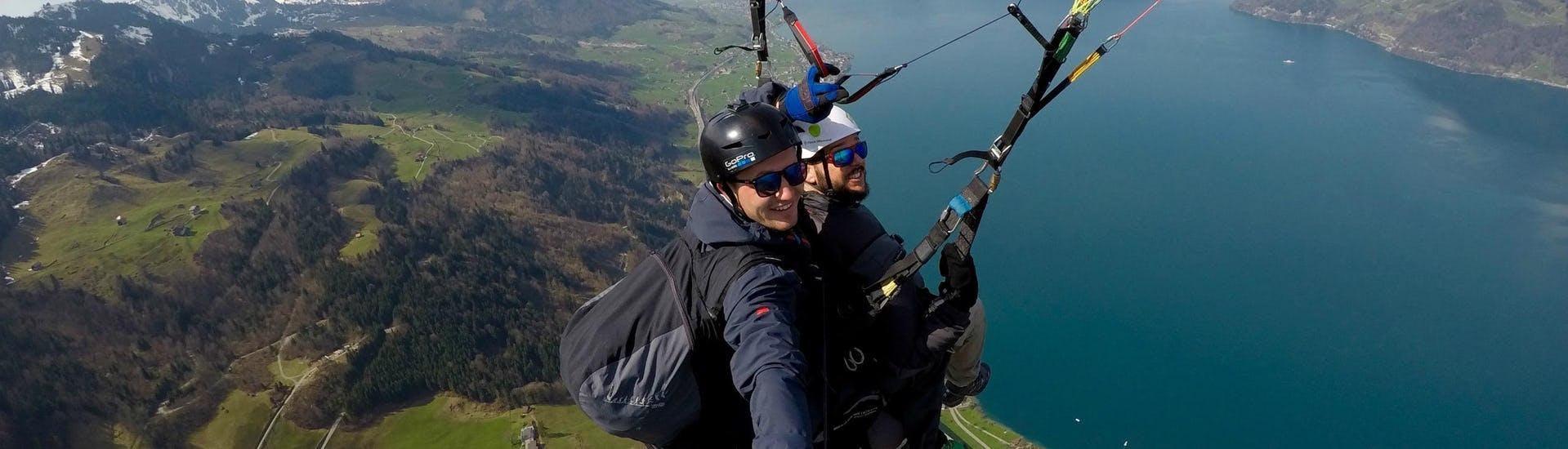 tandem-paragliding-in-niederbauen-groups-from-6-people-skyglide-hero