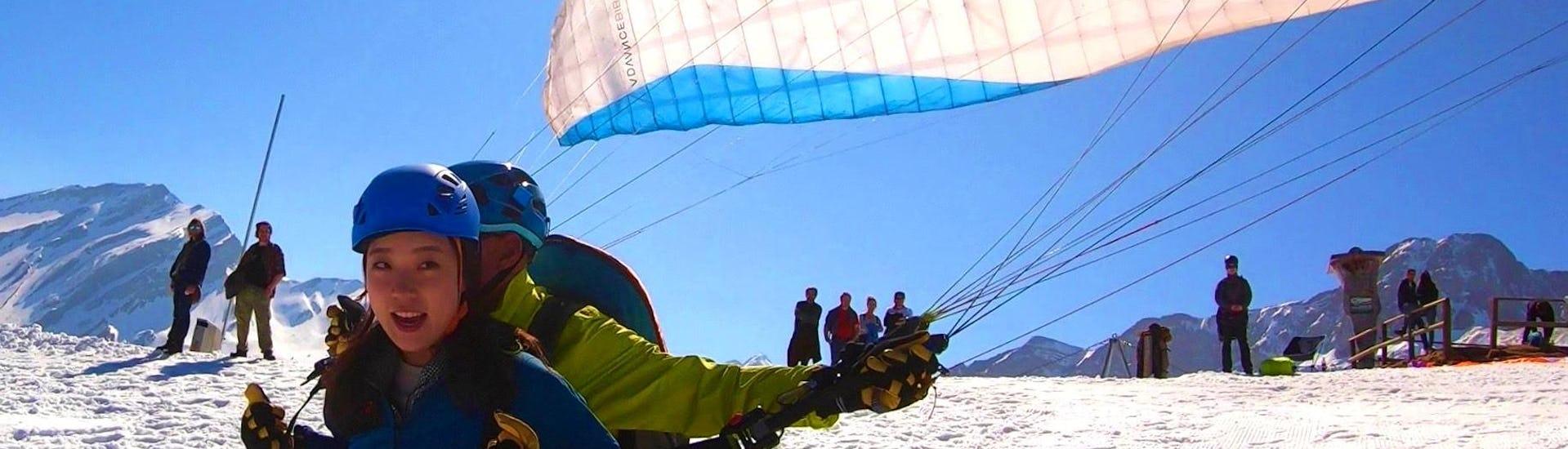 tandem-paragliding-in-niederbauen-view-skyglide-hero