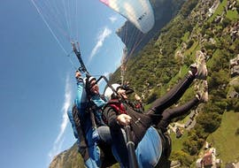 A pegase air pilot makes a sensation Tandem Paragliding flight over the Samoens valley.