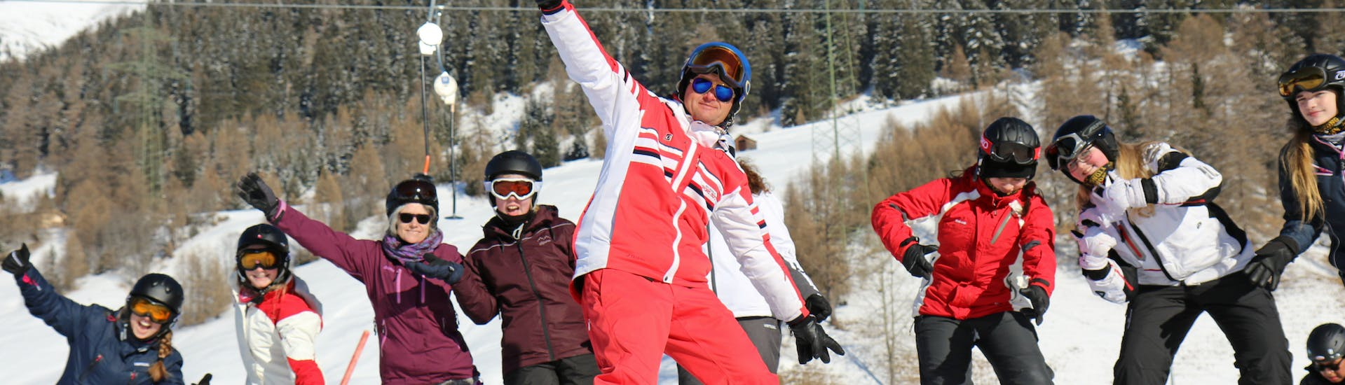 Teen Ski Lessons (8-14 y.) for Beginners with Skischule Pfunds - Hero image