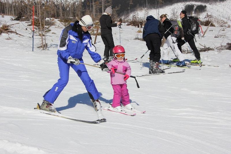 Lezioni di sci per bambini per tutti i livelli