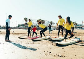 People of all ages are practicing their first experience with surfing on these surfing lessons from 4 years in Valencia with Anywhere Watersports.